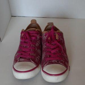 UGG Sneakers 8.5
